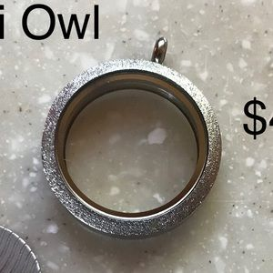 Origami owl sparkle locket silver